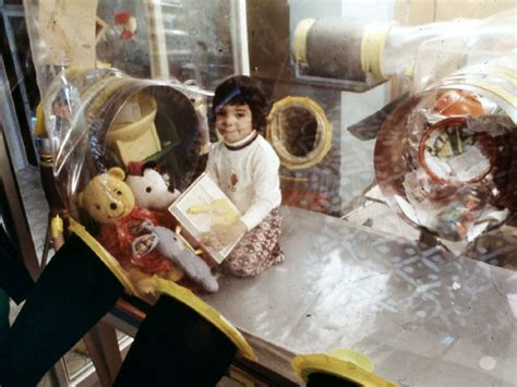 """Early stem cell transplant may cure """"bubble boy"""" disease"""